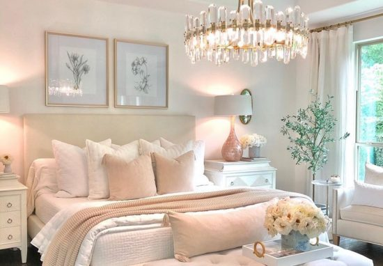 Transform Your Bedroom Decor With The Season Change